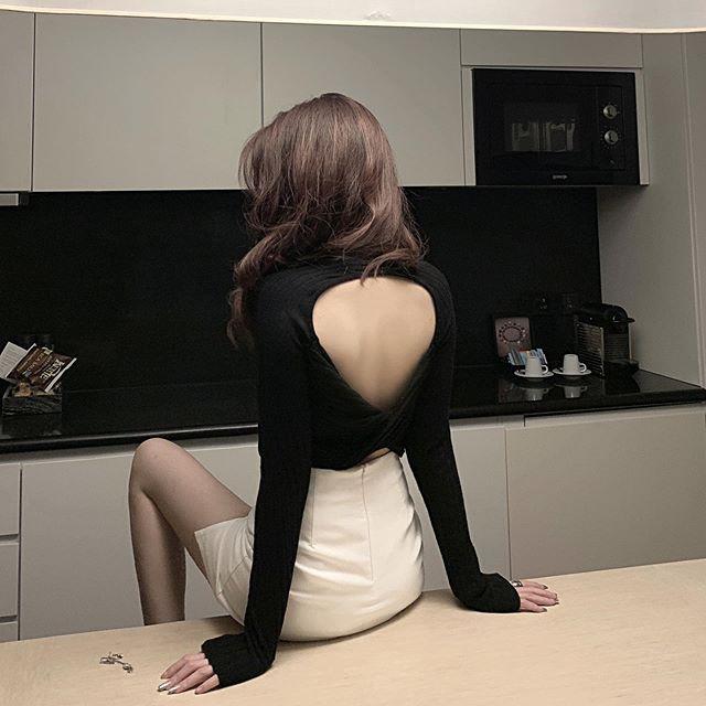 这衣服是不是穿反了? 第1张
