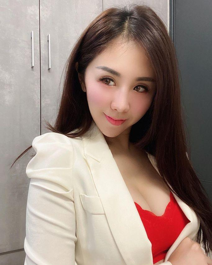 Serena芳芳(Nissan朱芳嬿)个人资料介绍-3CD