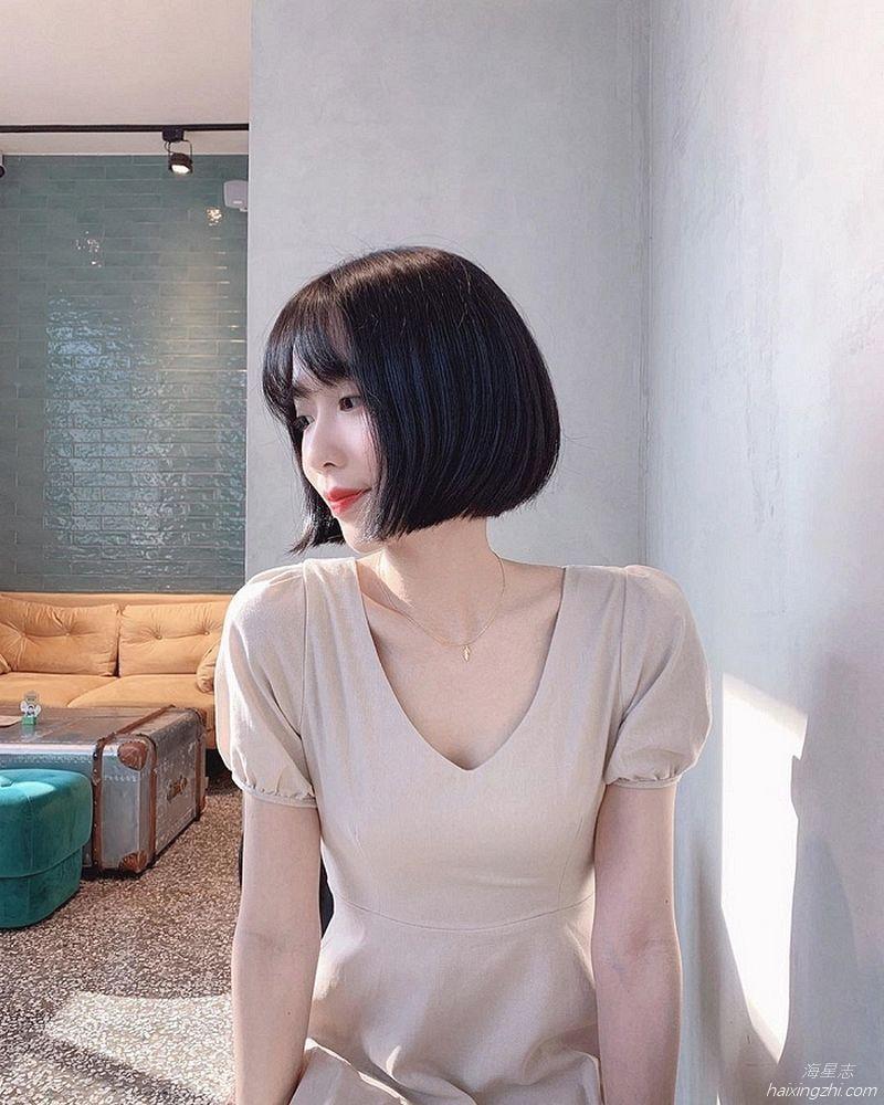 刘芳岑,前凸后翘大长腿 _16