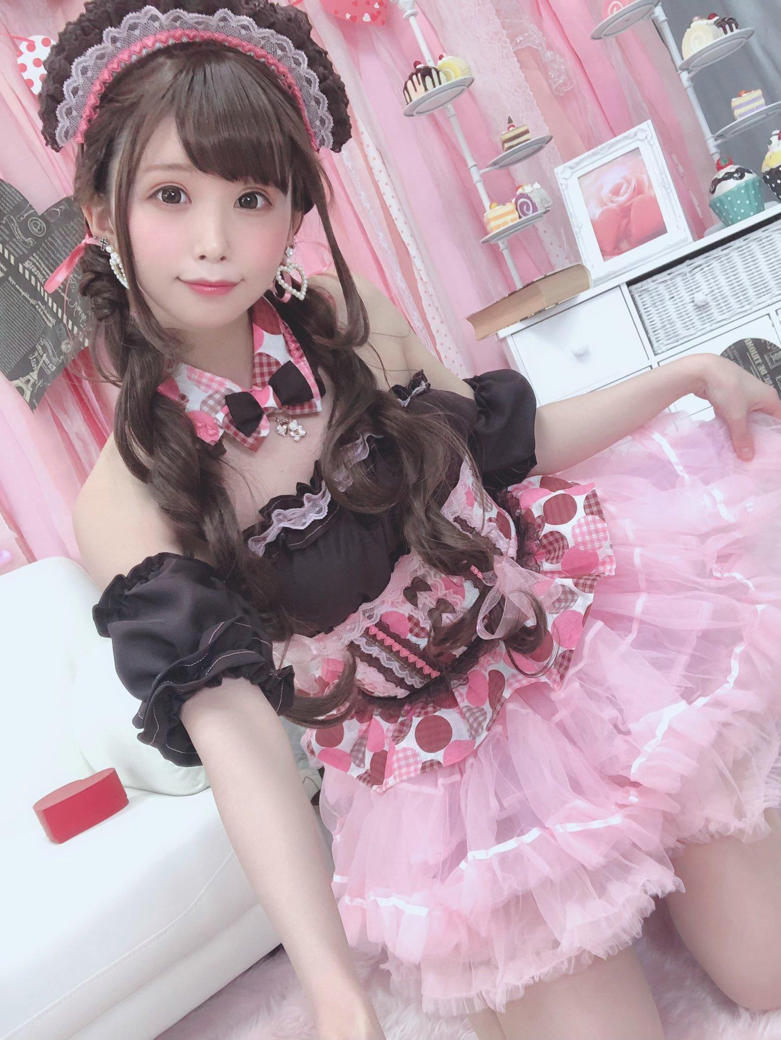 itsuki_akira 1228961708653211649_p2