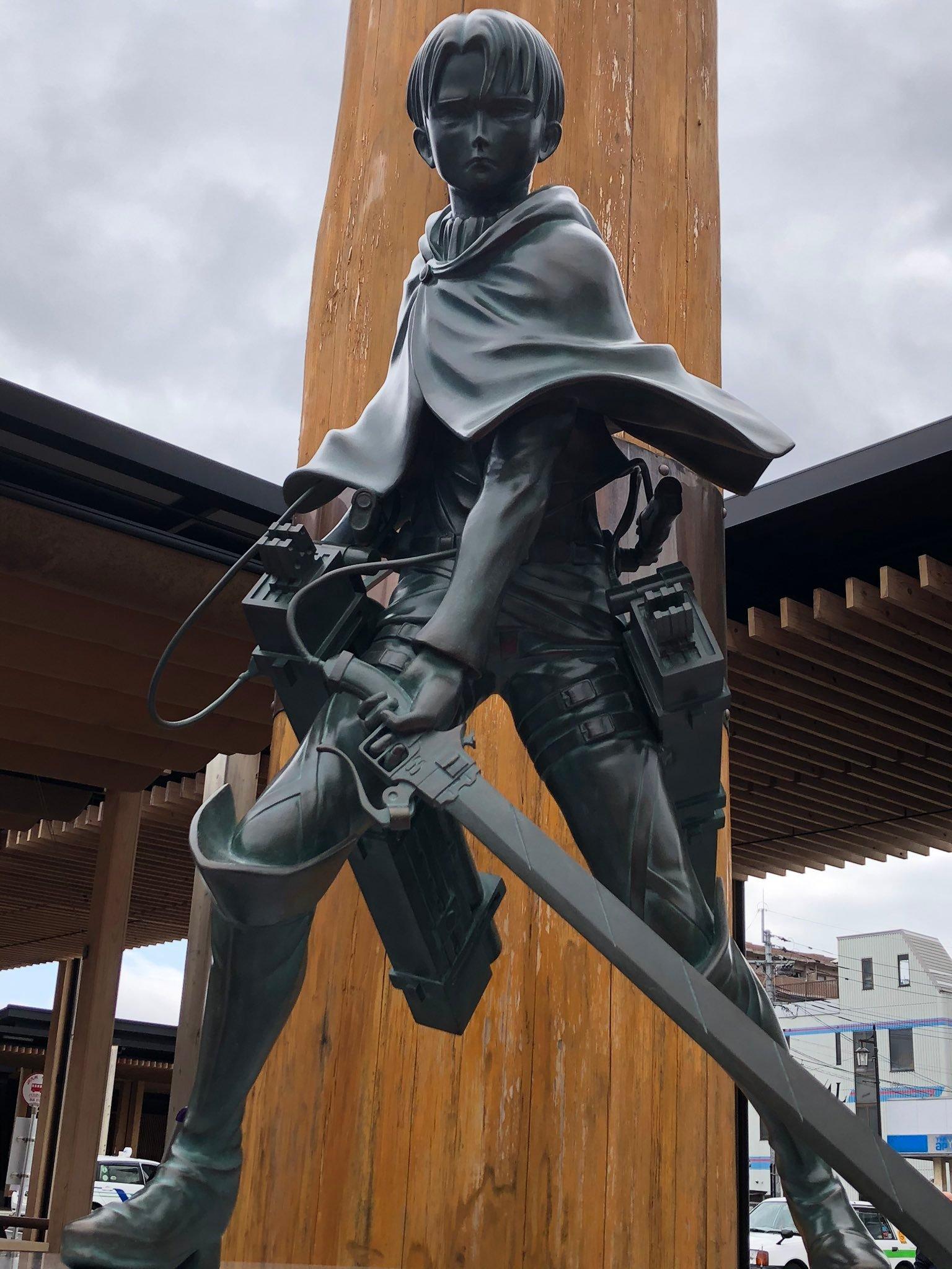 进击的巨人 利维兵长 铜像 大分县