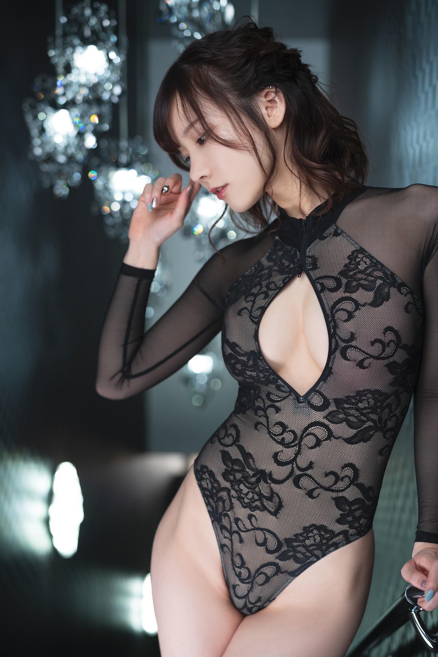 黑白双衣 开胸秀沟-けんけん写真集《Black&White front zipper》  高清套图 第37张