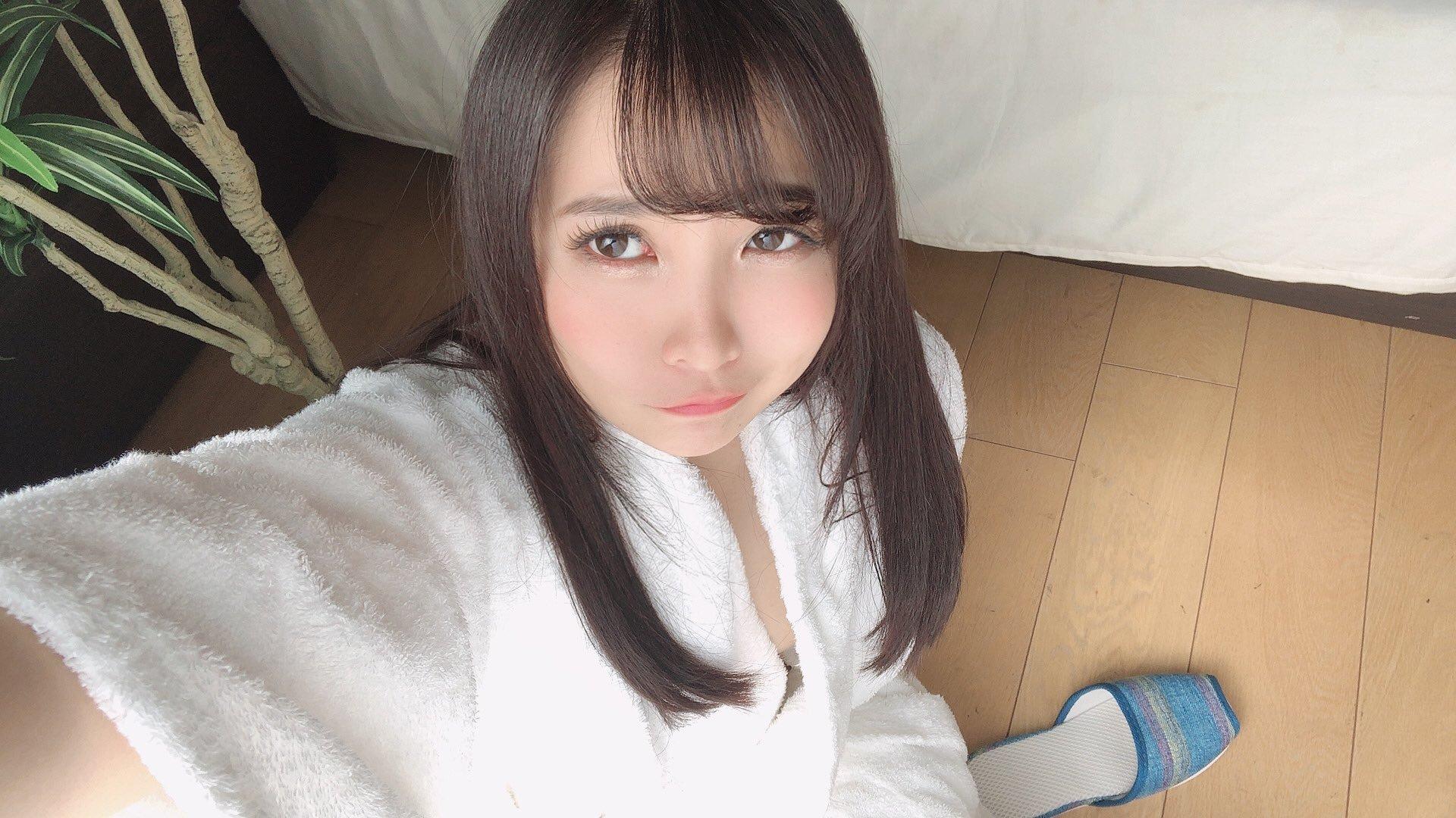 Aoi_krrg 1254465465977499649_p0