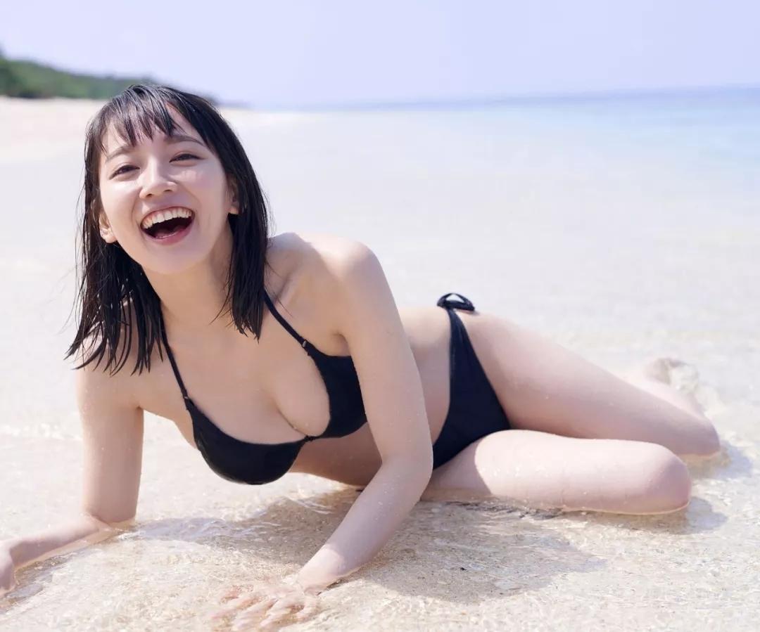 《悠长假期》吉冈里帆Weekly Playboy 写真集