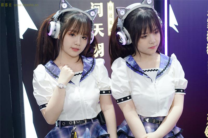 青春自然的婴儿肥 ChinaJoy双胞胎姐妹Showgirl『惟妙惟肖』