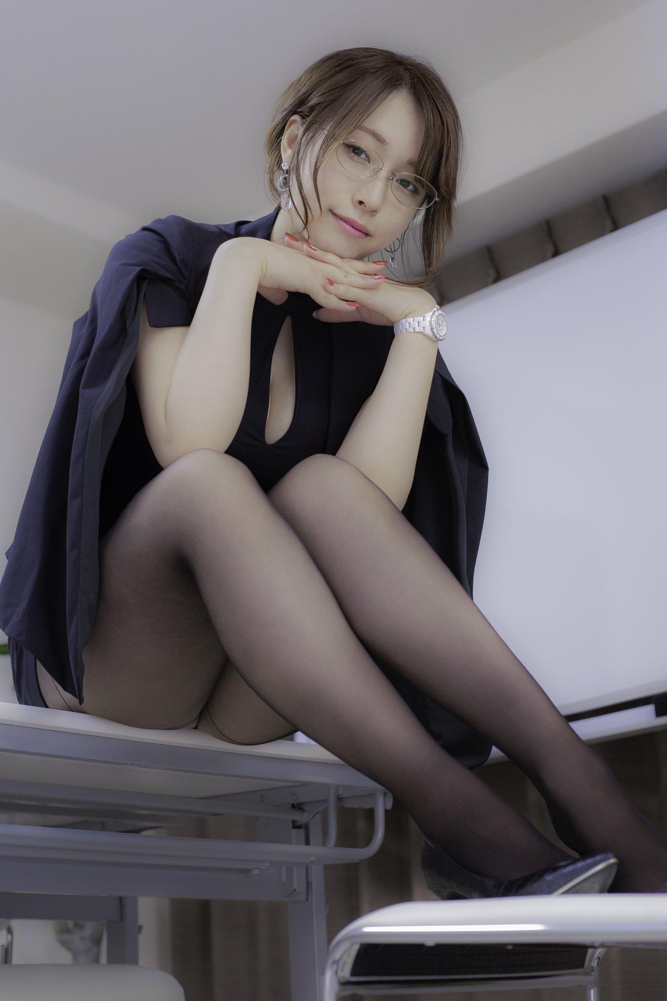 shiinakira 1323041317929189377_p0