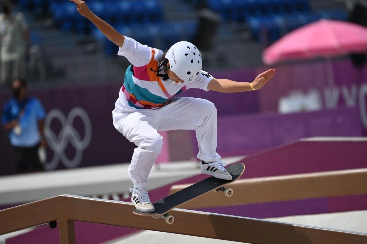 快乐元气的滑板少女西矢椛夺得奥运会冠军而逐渐改变日本人的刻板印象 (1)