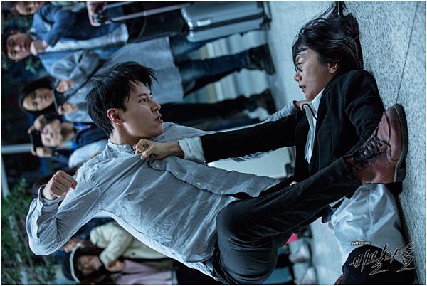 韩剧《秘密森林》非常看得起观众智商的时代的怪物 (2)