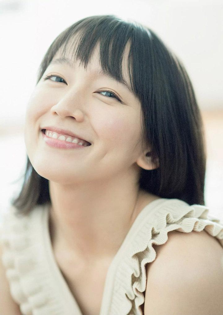 吉冈里帆再次出现在花花公子时尚杂志彰显自己性感可爱的写真作品 (5)