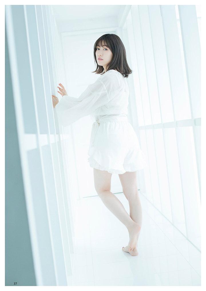 正统派偶像渡边麻友为音乐剧公演而拍摄写真作品大力宣传拉升人气 (4)