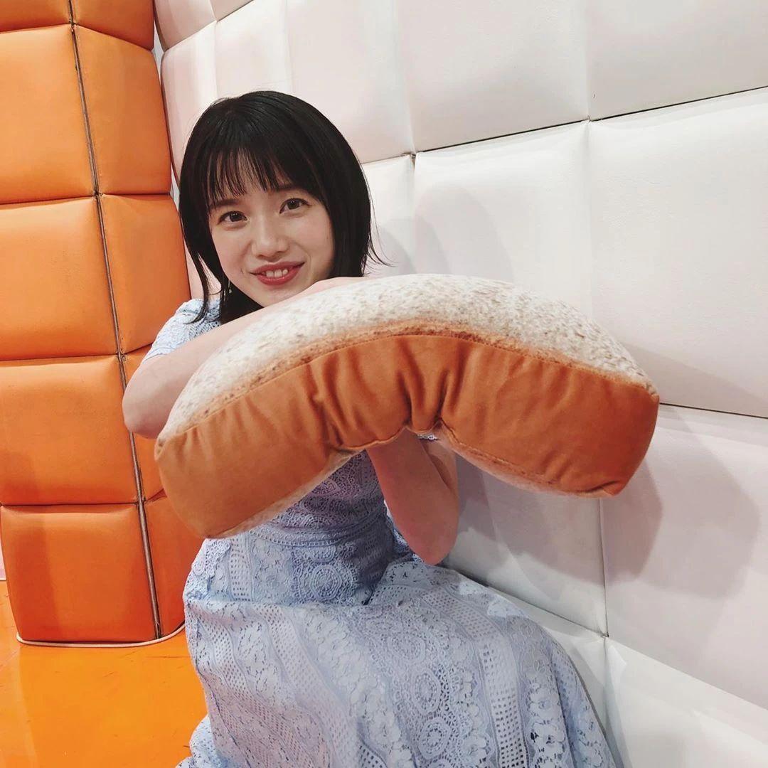永远一张娃娃脸的棉花糖女孩弘中绫香写真作品 (21)