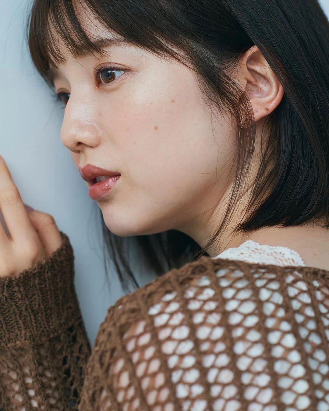 永远一张娃娃脸的棉花糖女孩弘中绫香写真作品 (41)