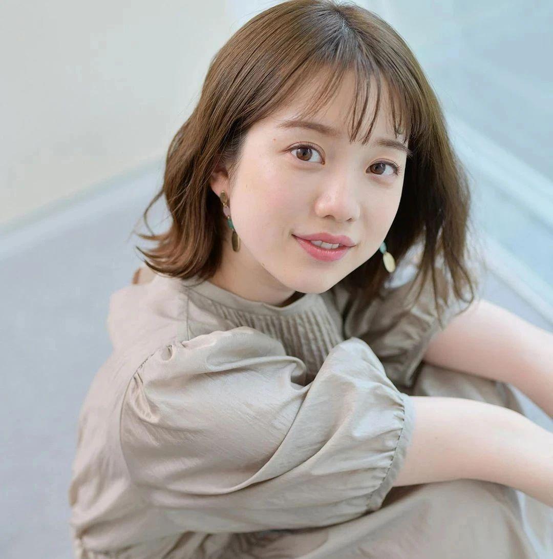 永远一张娃娃脸的棉花糖女孩弘中绫香写真作品 (49)