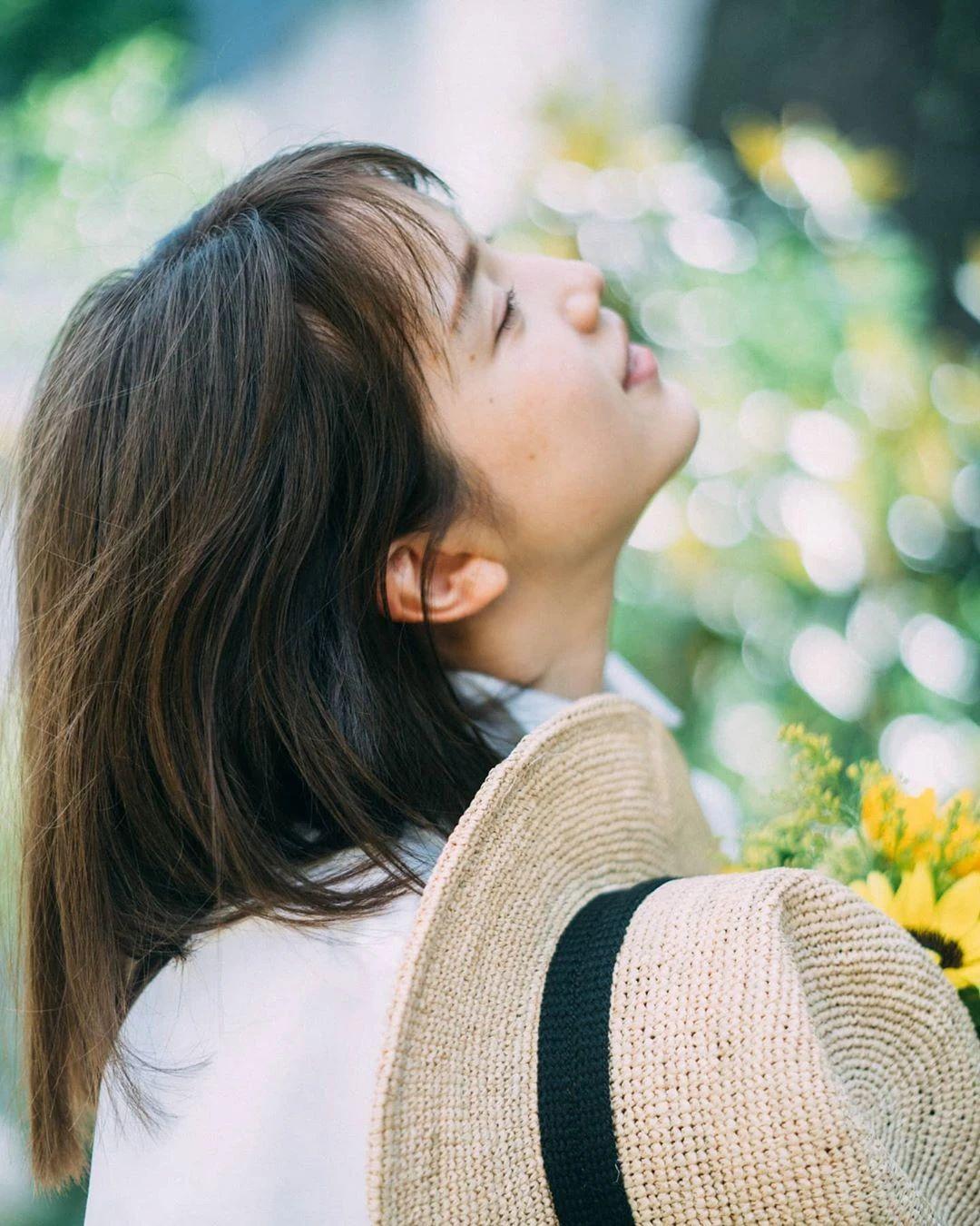 永远一张娃娃脸的棉花糖女孩弘中绫香写真作品 (80)