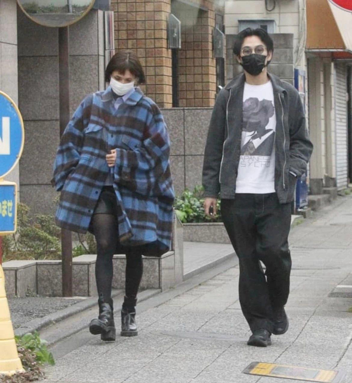 松田龙平和小15岁的模特女友交往虽然感情稳定但是会有结果吗? (8)