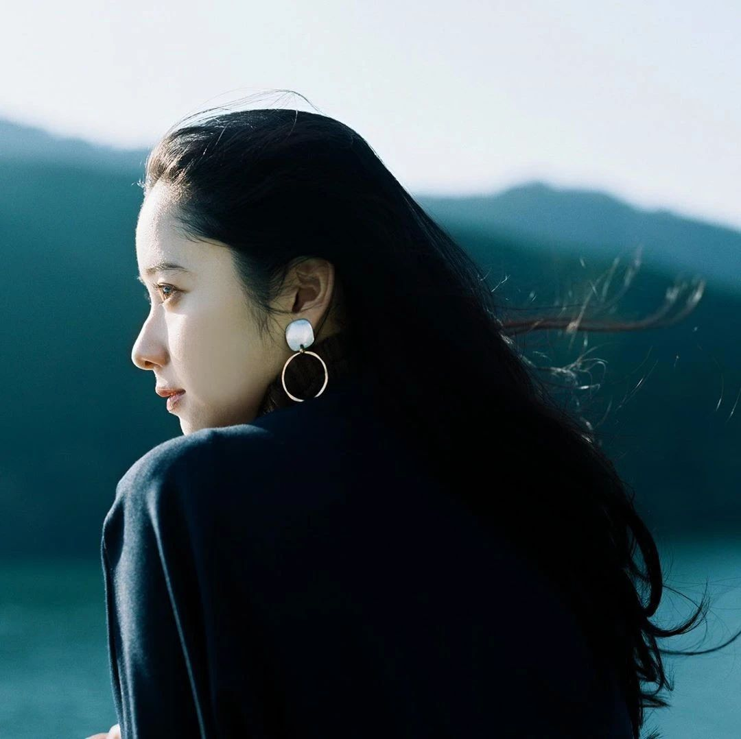不急不躁岁月静好的堀田真由写真作品 (8)