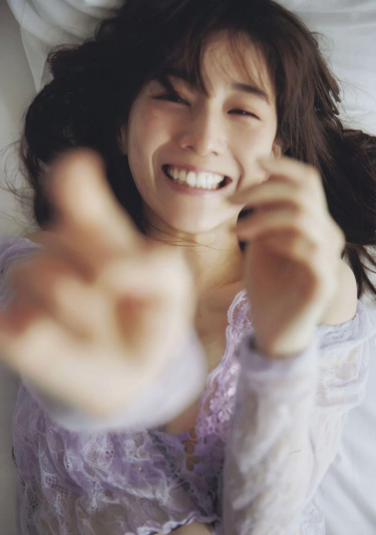 80后日本最美女主播田中美奈实写真作品 (41)
