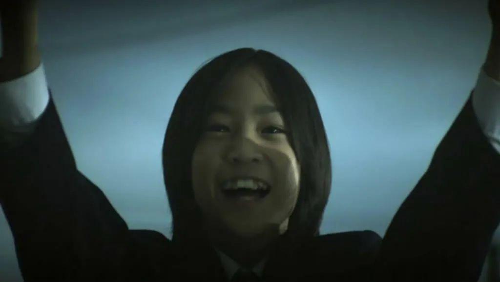 日本悬疑电影《告白》一个失去女儿的老师对凶手的杀人诛心 (8)