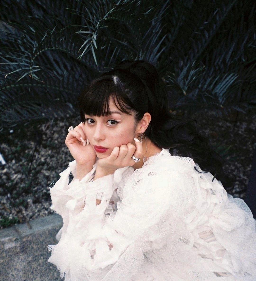 女性最想要的混血颜并且有彩妆种草机之称的中条彩未写真作品 (53)