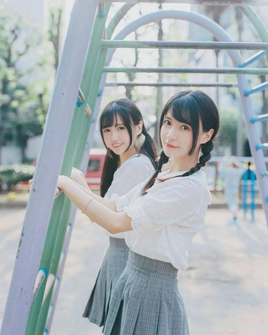 B站UP主果哝双子让你们享受双倍的美好双倍的快乐 (4)