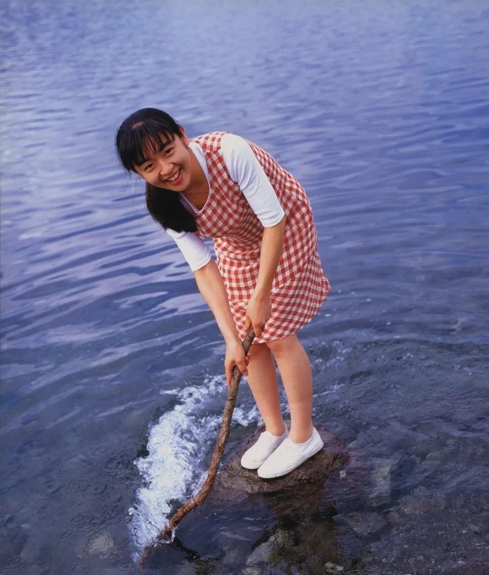 清纯玉女17岁情书中的酒井美纪写真作品 (23)