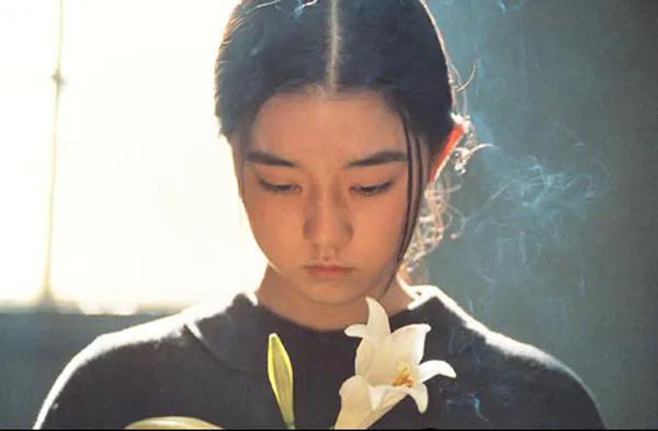 电影《燕尾蝶》中女主的改变纠结是人性深处的显露还是生活带来的压制 (6)
