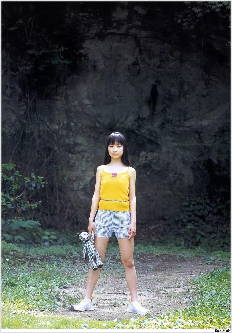 形象纯过蒸馏水的黑川智花《少女觉醒》的写真作品 (9)