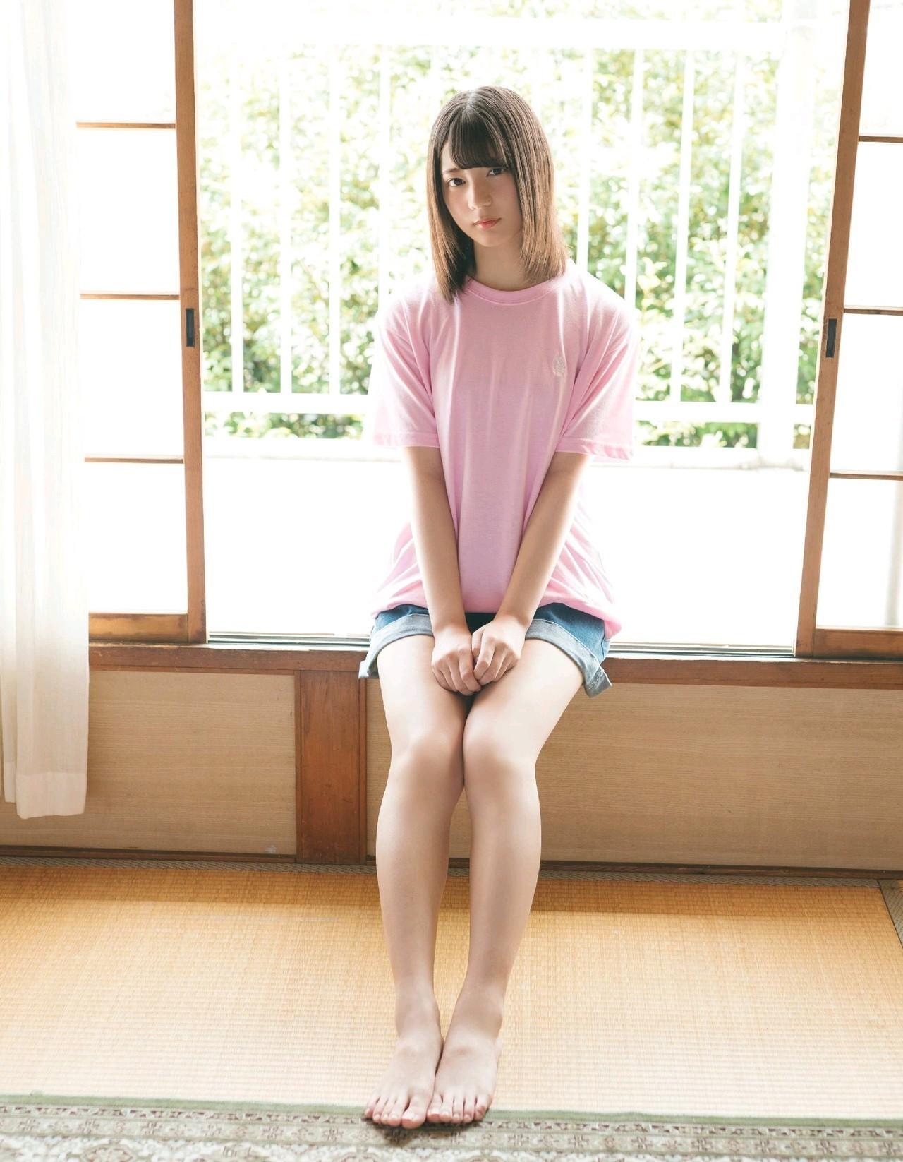 日向坂 46「小坂菜绪」将于今年 6 月 29 日推出个人首本写真集,纯爱视角眼神放电清纯透明 御宅资讯