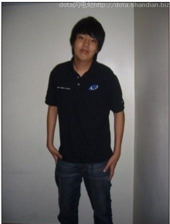 chuan受伤前的照片