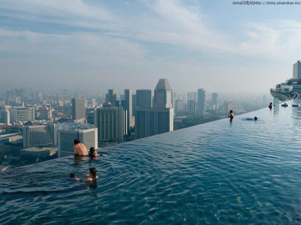 新加坡滨海湾金沙酒店空中泳池