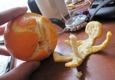 那个邪恶的家伙这么邪恶剥橘子