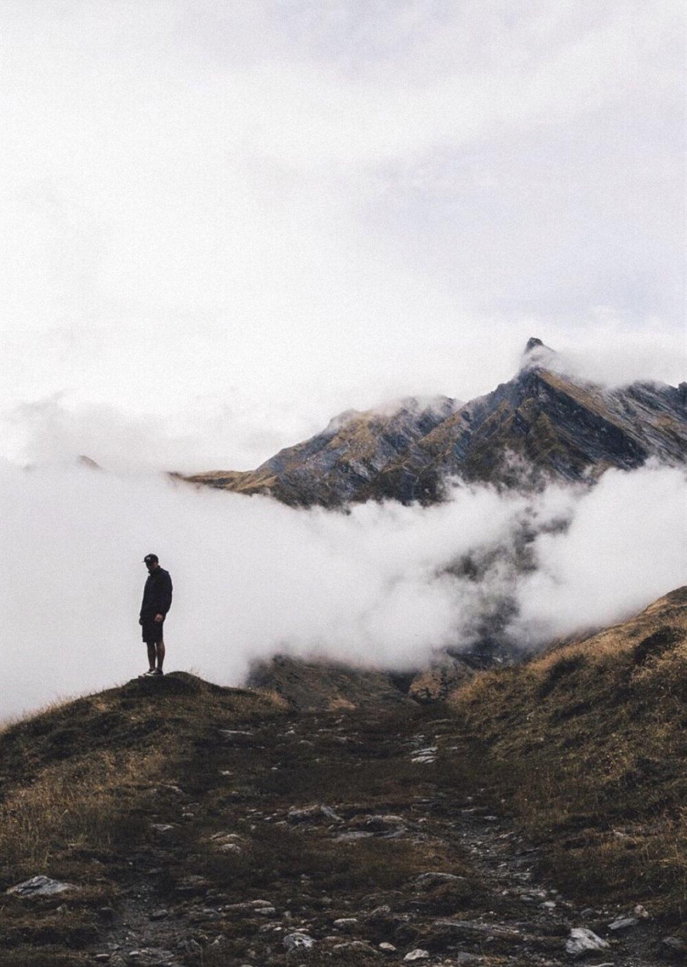 情感语录-情感语录你爬的高,站的远...