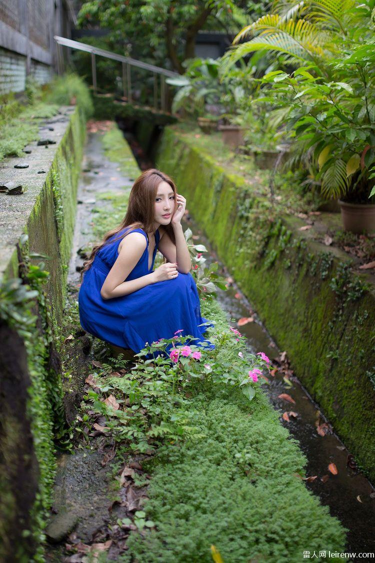 20歳 大學生,極品藍色長裙女神