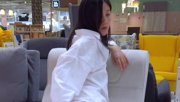 宜家视频事件的女主找到了,原来是P站红人Fullfive