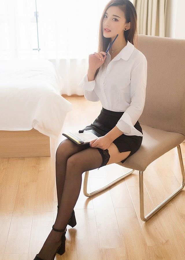 办公室的性感白衬衫 第7张