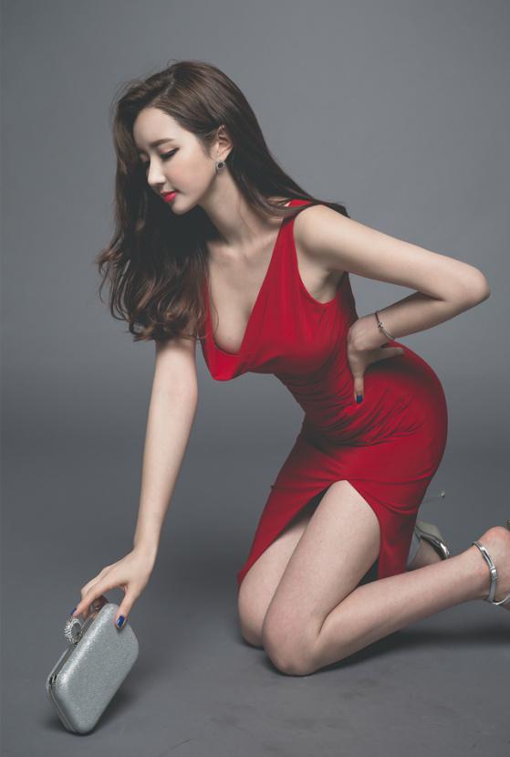 分享一组韩国美女写真,单纯觉得后期调色很舒服~ 美女写真-第2张