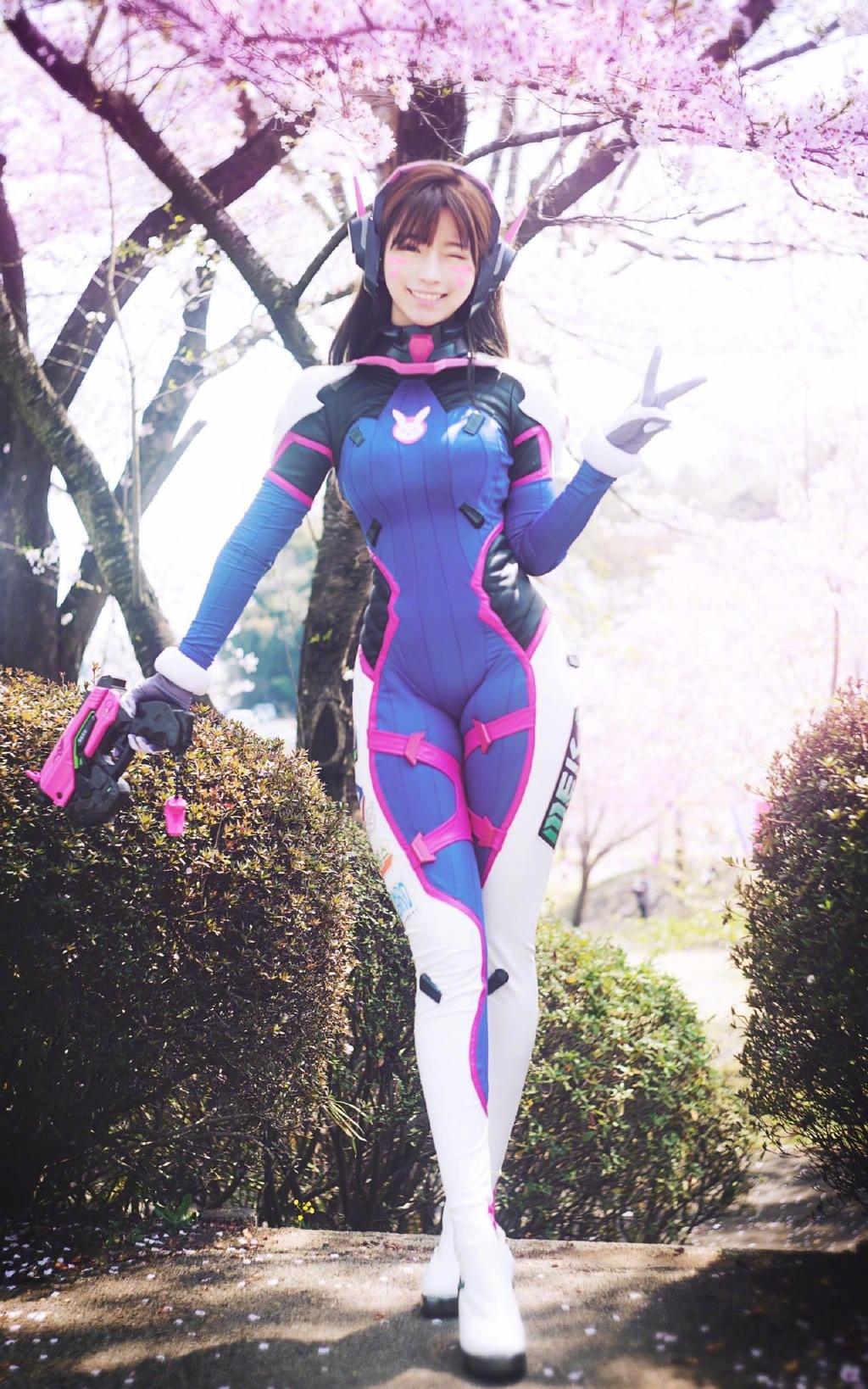 Yurisa ow cosplay