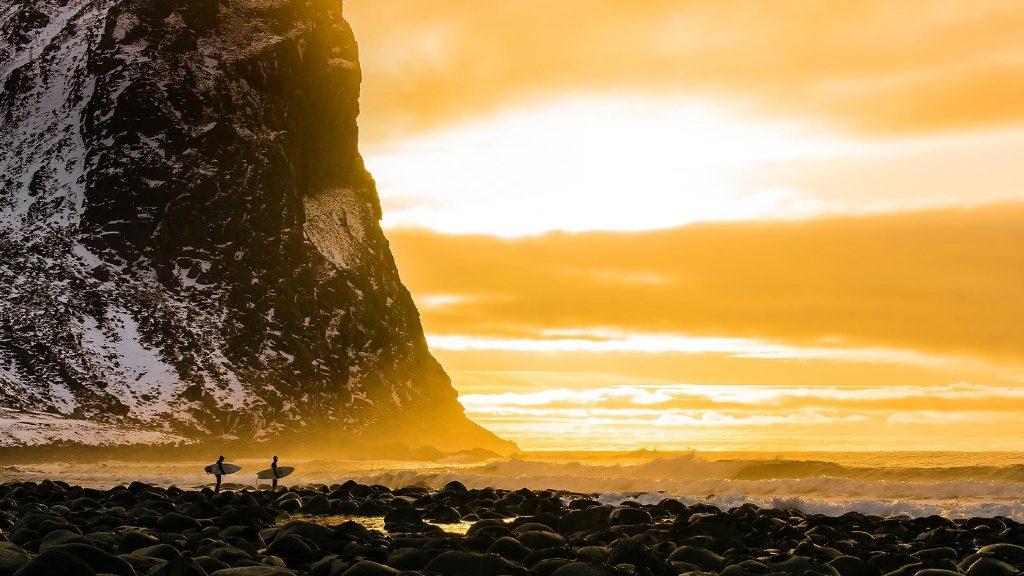 罗弗敦群岛的北极冲浪之旅