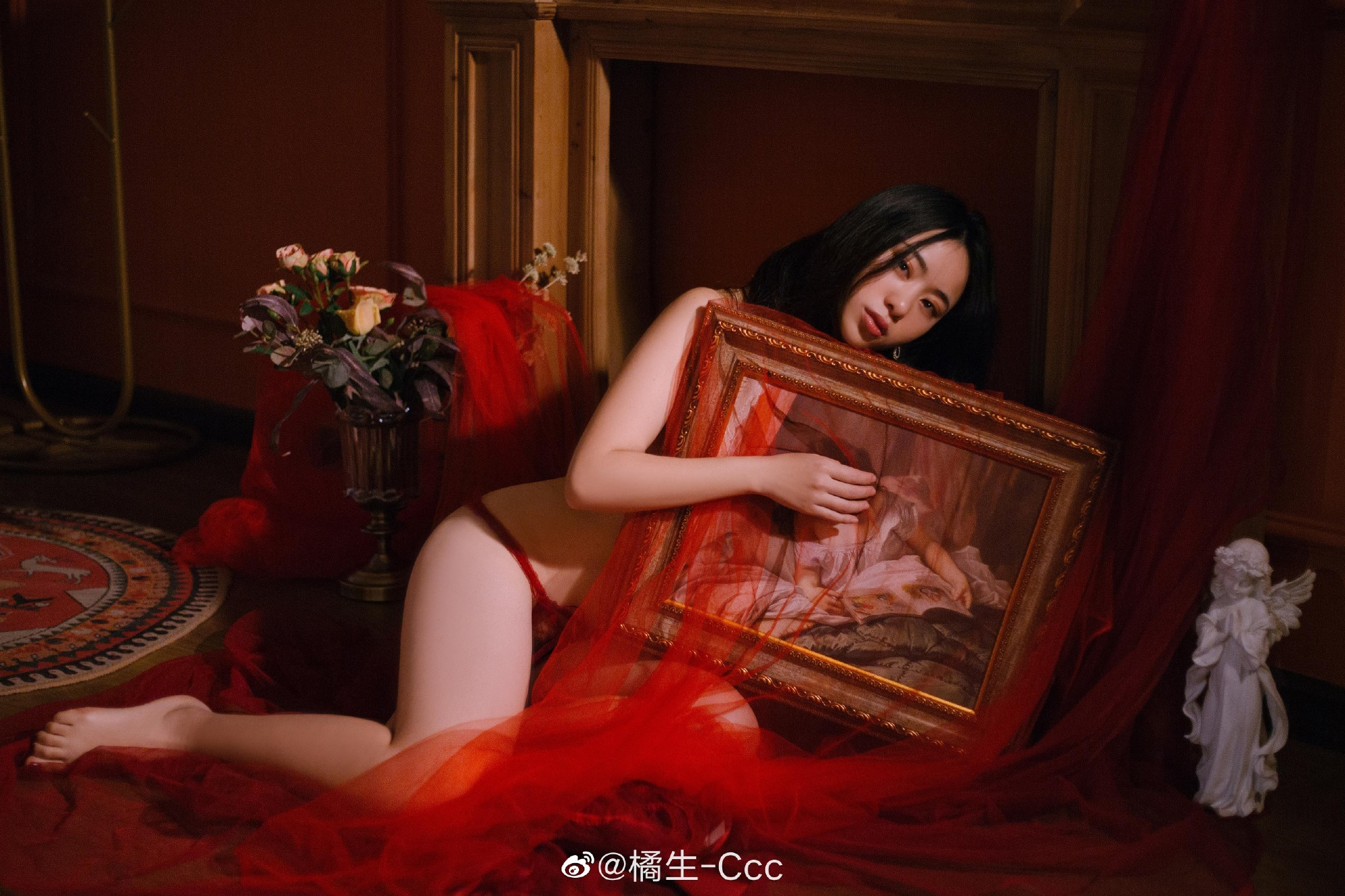 最是人间留不住。轻纱红唯美写真
