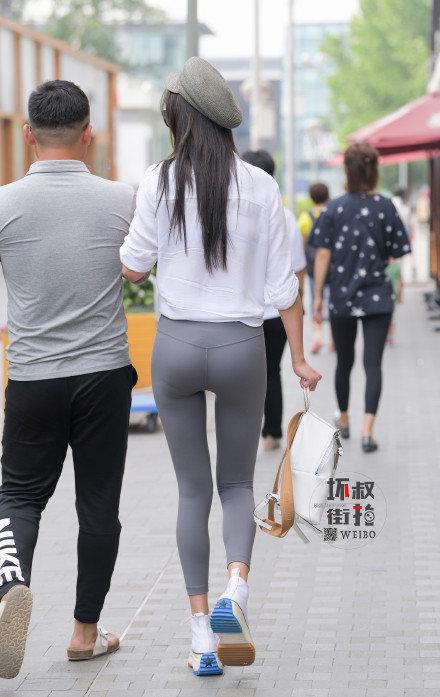 灰色性感瑜伽裤美女 (5).jpg