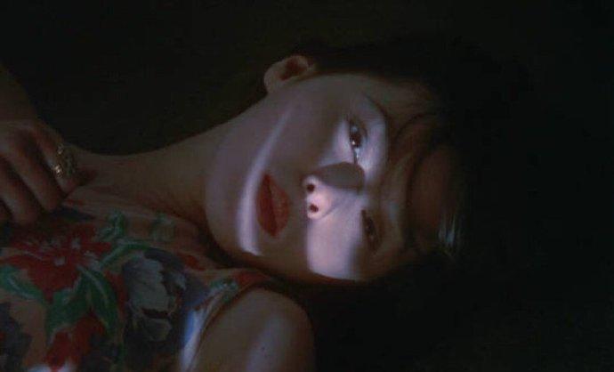 晚安心语句子0427:最大的心安,是自律温柔和爱自己