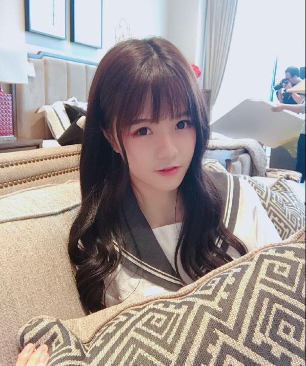 今日妹子图 微博美女@柏欣妤 人气偶像团体BEJ48成员灰常可爱哦