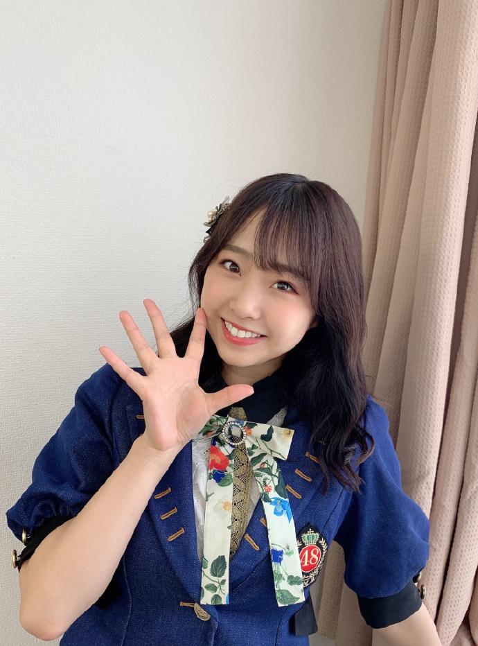 NMB48萌妹子《加藤夕夏》,邻家女孩笑容甜美!