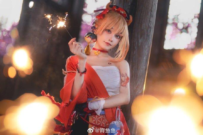 微博网红少女cosplay宵鱼鱼小姐姐cos最新角色原神宵宫-cos图片
