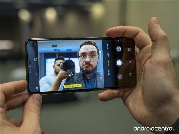 可变折叠屏 LG V50 ThinQ 5G本月韩国上市