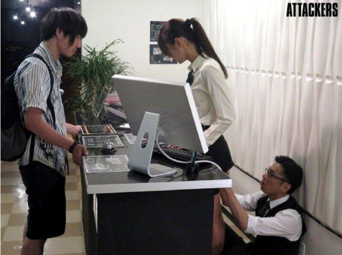 嫌疑犯 激似 AV参演