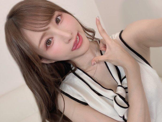 日本大姐姐的最新社交媒体自拍福利图&GIF动图
