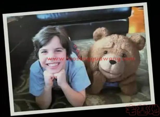 最新电影推荐「泰迪熊」豆瓣影评:虽然剧情挺俗的但是这只熊实在是太贱太好笑了插图(2)