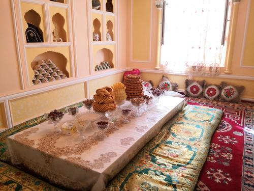 我走进了三个不同的新疆家庭,海外网友怎么看?