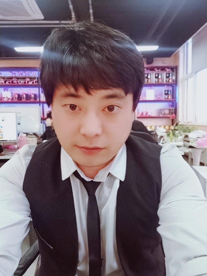 张浩个人资料_66站长张浩简介_张浩的博客网站